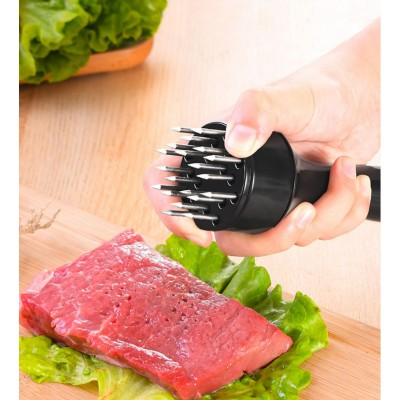 Тендерайзер — приспособление для отбивания мяса с иглами